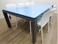 תמונה של שולחן 8040 מחיצה