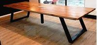 תמונה של שולחן 8040 מעוצב